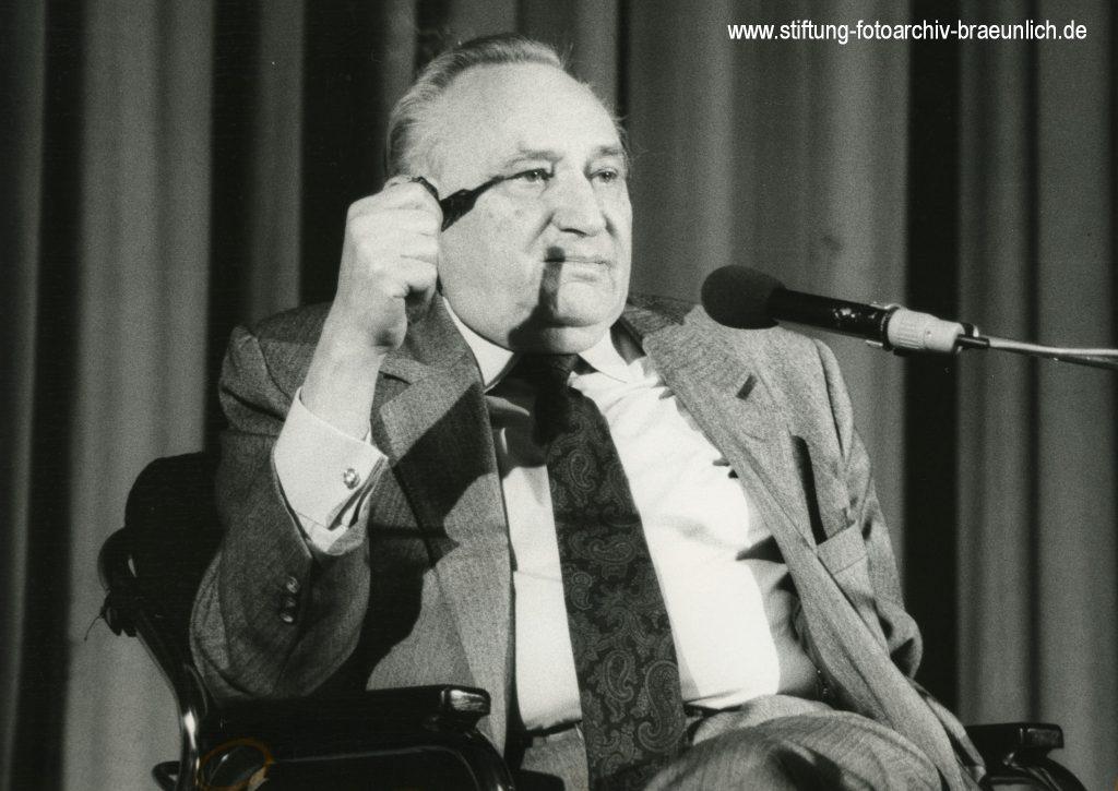 Egon Bahr 1990